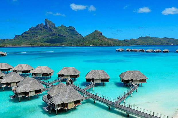 Four Seasons Bora Bora in Tahiti | A luxury Five-Star Resort in French Polynesia