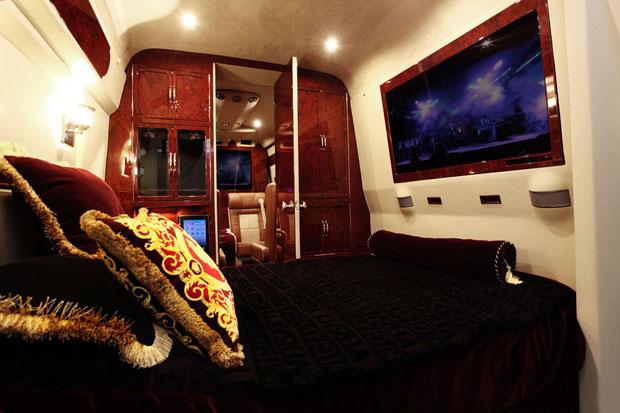 Mercedes-Benz Sprinter L5-B bedroom