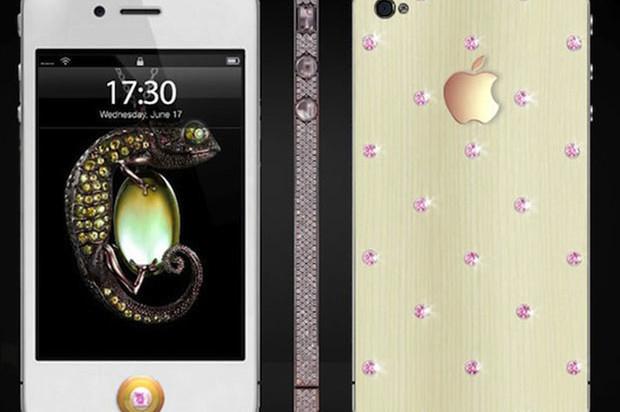 Pink Diamond iPhone | 850 small diamonds and 18 carat gold