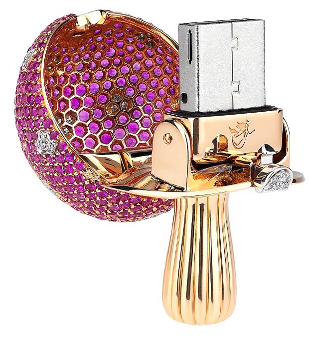 Pure gold USB