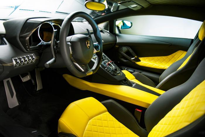 Lamborghini Aventador LP720-4 50° Dashboard