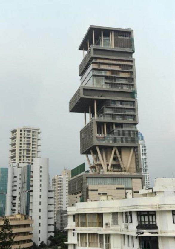 Adila, Mumbai