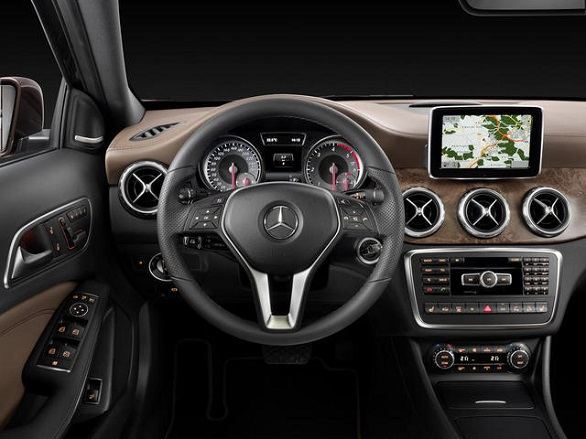 Mercedes GLA 250 4Matic interior
