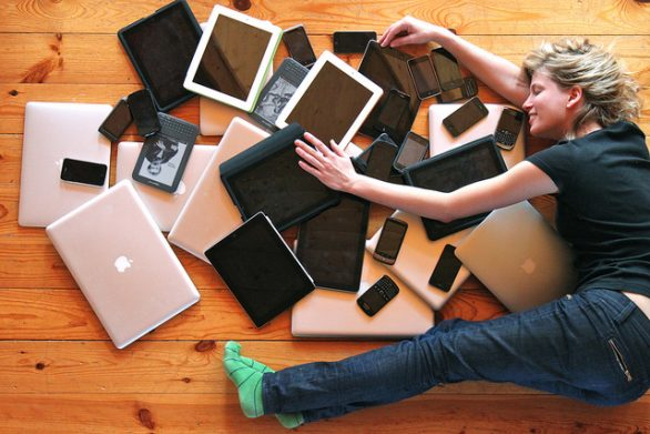 Technology Addiction – Signs You Need to Unplug