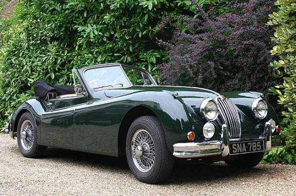 640px-jaguar_xk140_convertible_classic_car-_hampshire_uk