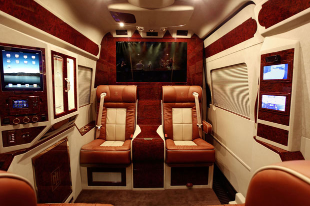 Mercedes-Benz Sprinter L5-B interior