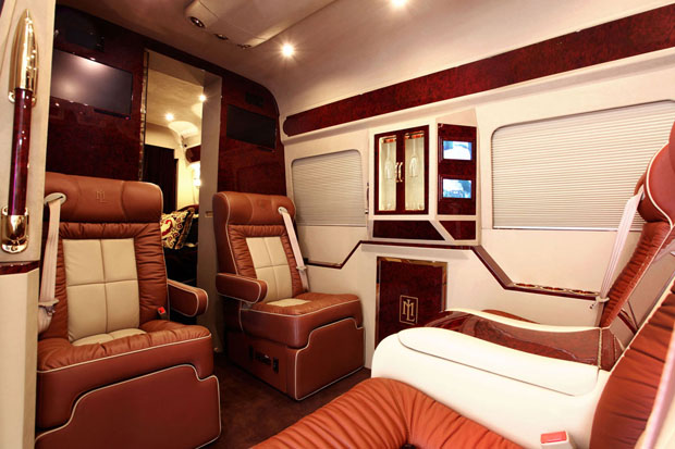 Mercedes-Benz Sprinter L5-B living room