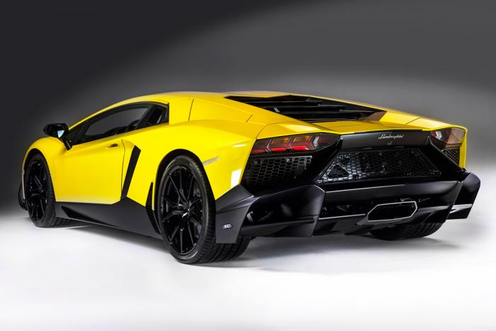 Lamborghini Aventador LP720-4 50° Rear View
