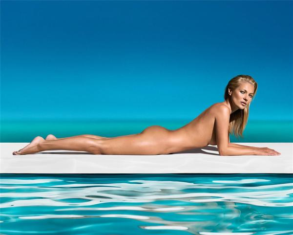 Kate Moss St Tropez 2013: Top model posed naked