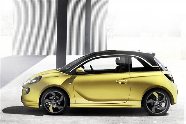 Opel Adam Side View