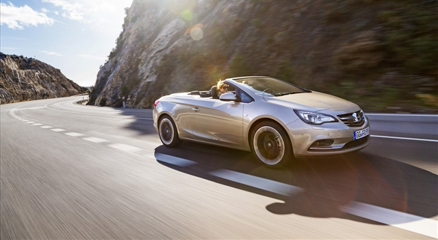 Opel Cascada: in Frankfurt with the 1.6 SIDI 200 hp