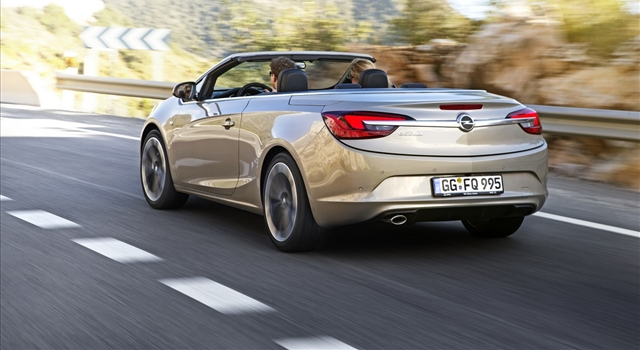 Opel Cascada Rear View