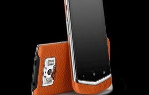 "Vertu introduces the new ""Constellation"" Android in a price for rich"