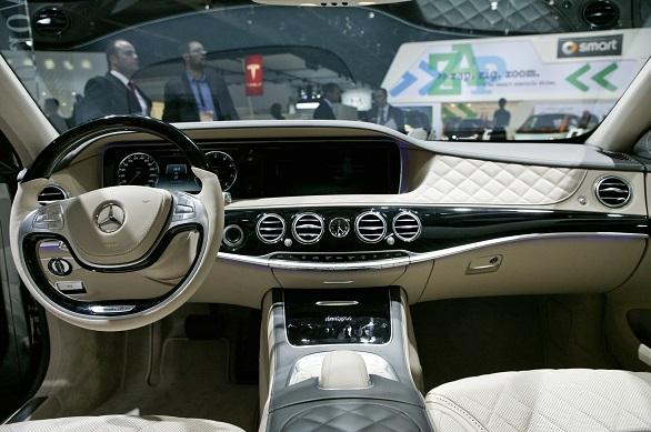 Mercedes -Benz S600 interior