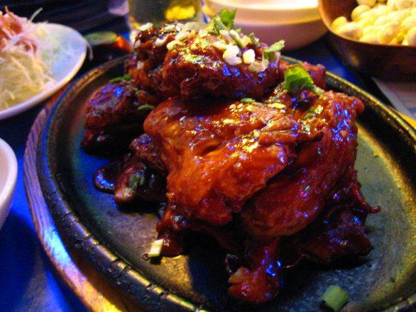 1024px-Korean.cuisine-Yangnyeom_chicken-01